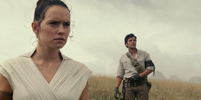 Daisy Ridley als Rey und Oscar Isaac als Poe Dameron in Star Wars