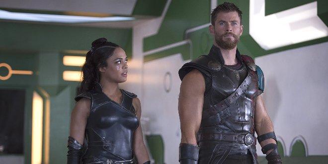 Brunnhilde (Tessa Thompson) mit Thor (Chris Hemsworth)