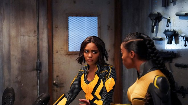 Black Lightning 02x16 - The Book of the Apocalypse: Chapter Two: The Omega