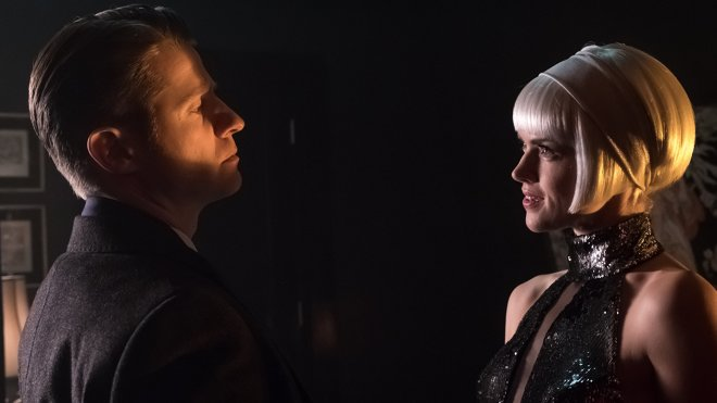 Gotham 04x12 - Scherben des Spiegels