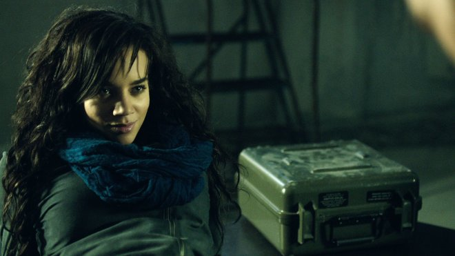 Killjoys 01x01 - Level 5