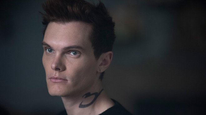 Shadowhunters 03x14 - A Kiss From A Rose