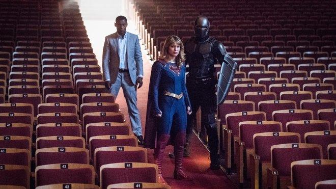 Supergirl 05x01 - Event Horizon